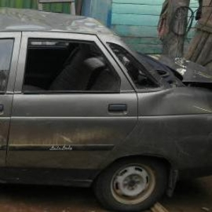 Продам автомобиль ВАЗ 2110,  год выпуска 2002,  после аварии