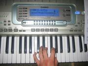 Продам Синтезатор Casio-3300.Б/у
